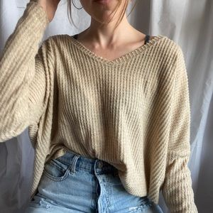 Urban outfitters waffle knit vneck tee size small